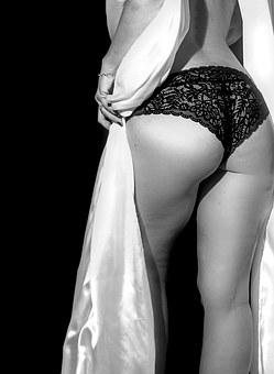 sensual-1317729__340