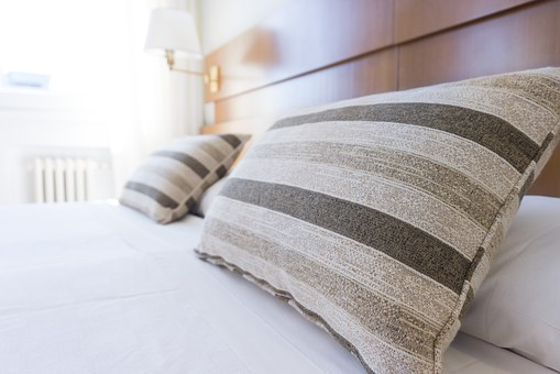 pillows-1031079__340