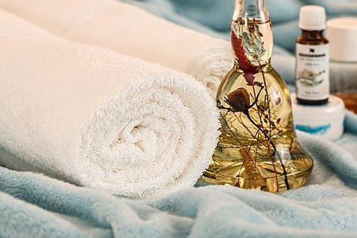 massage-therapy-1612308__340